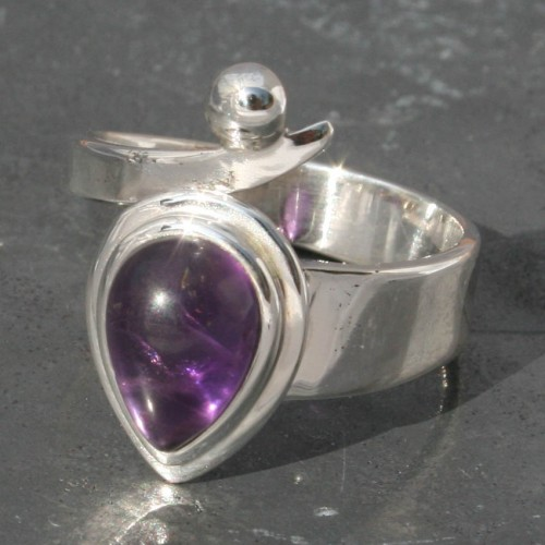 Amethyst Open Twist Ring