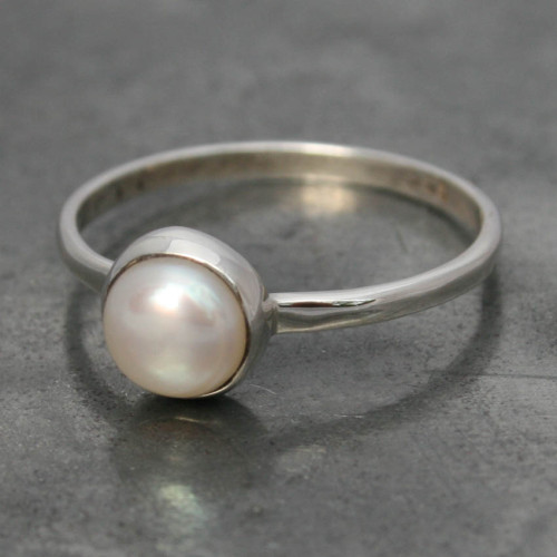 Fresh water pearl small ring a